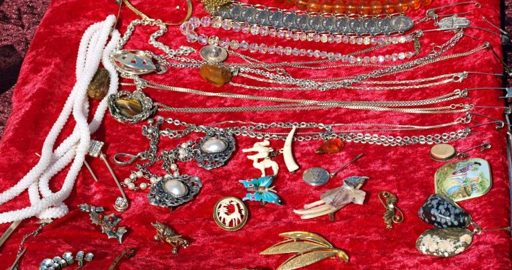 Antique Jewellery: The Pieces Are Worth The Money